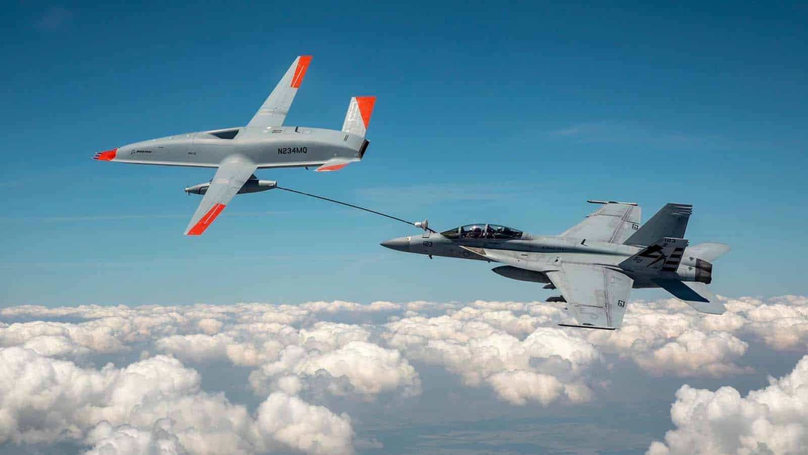 boeing drone refilling fighter jet
