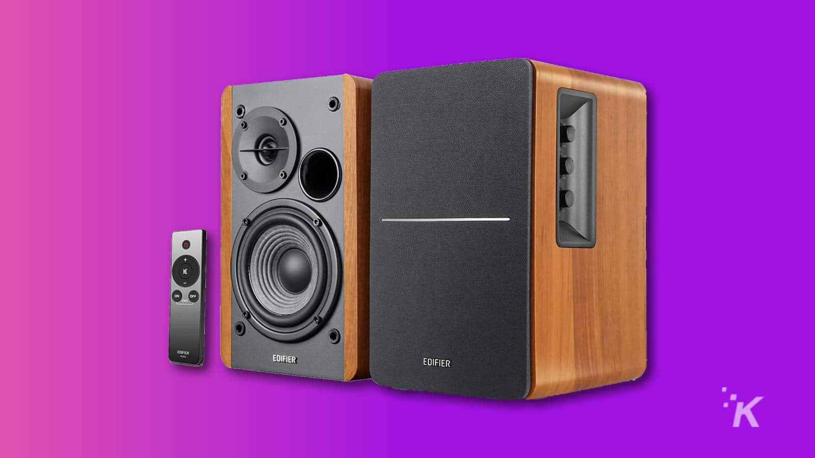 Edifier R1280Ts Powered Bookshelf Speakers