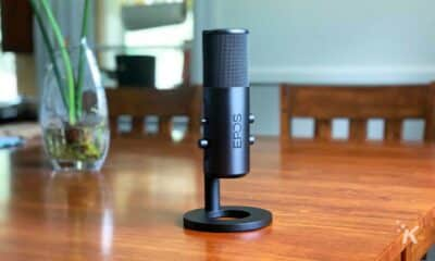 epos b20 streaming microphone on table