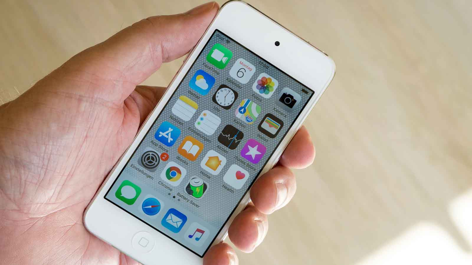 apple iphone 6 in-hand