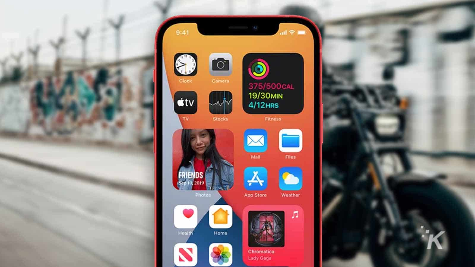 iphone on motorcycle mount