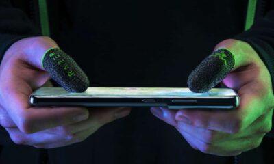 razer finger sleeves on smartphone