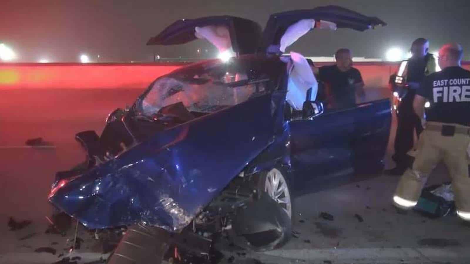 tesla crash on highway